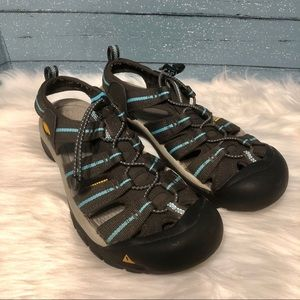 Keen hiking sandals size 9.5
